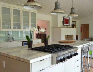 Hindering-Ventilation-in-kitchen