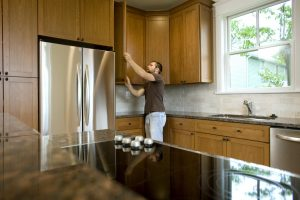 Uneven_Fitting-_Appliance_Cabinets_in_kitchen